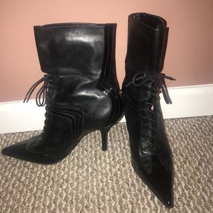 Nine West black leather lace tip up booties